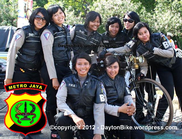 dayton bike Jakarta onthel beach festival 22 Desember 2012 polwan BM
