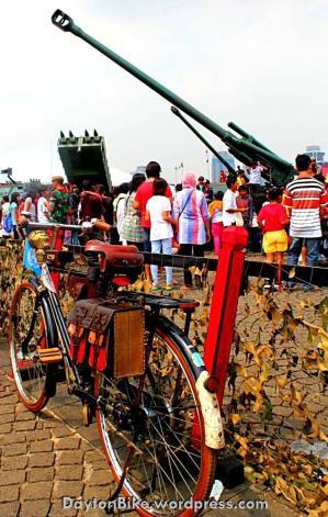 07 Oktober 2012 hari TNI di monas 02