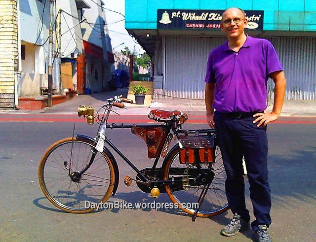 Dayton bike bicycle sepeda onthel kota tua dan Michael bule Belanda