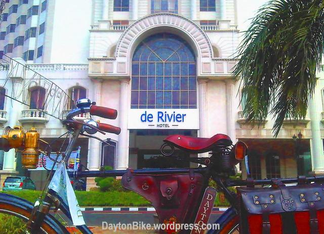 Dayton bike bicycle sepeda onthel The Rivier Hotel Jakarta